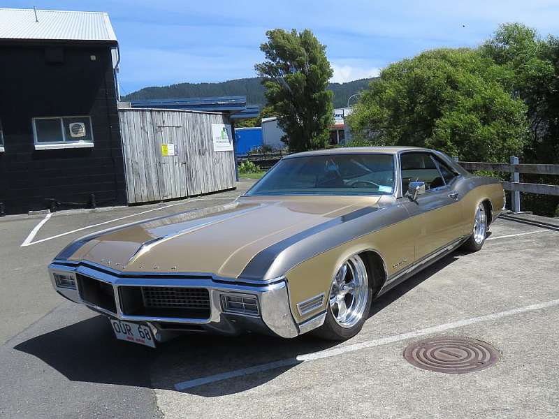 1968 Buick with Air Bags by Kohl